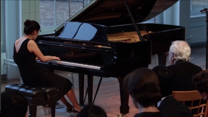 "Pianist Richard Goode coaches Hokyong Choi on Claude Debussy's ""Ce qu'a vu le vent d'Ouest"" from Préludes, Book I, in the Resnick Education Wing as part of Carnegie Hall's Workshop and Master Class series."